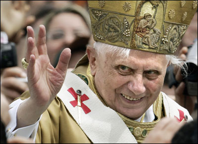 http://theislamicstandard.files.wordpress.com/2010/09/evil-pope.jpg