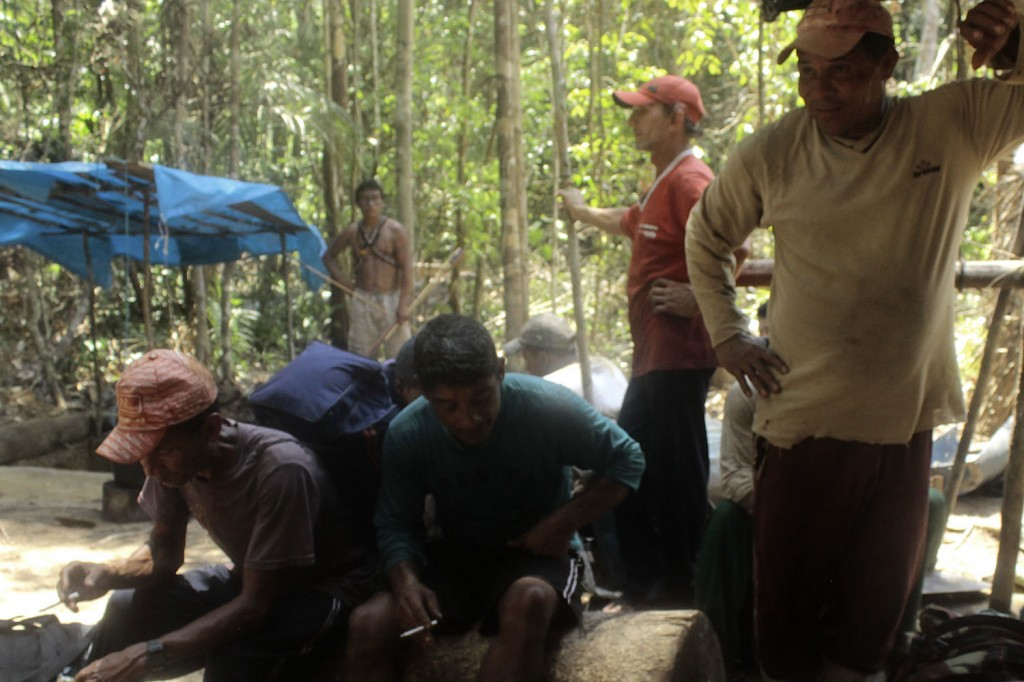 Part of the group of miners expelled by the Munduruku.