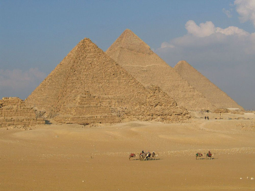 cool-places-world-perspective-Pyramids