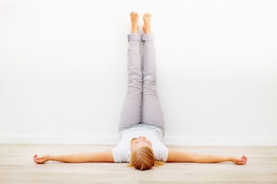 http://cdn.naturalsociety.com/wp-content/uploads/yoga_legs_up_wall_700-400x266.jpg